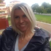 Nellcsi, 50