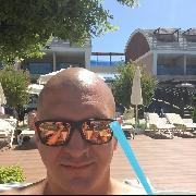 AndrásM, 32