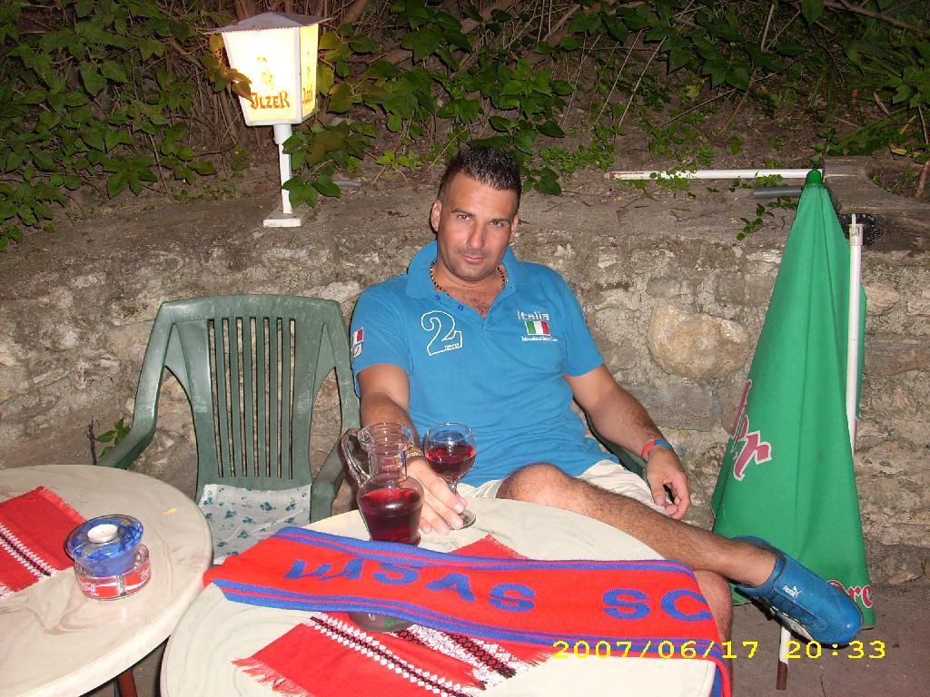 Lackós, 44