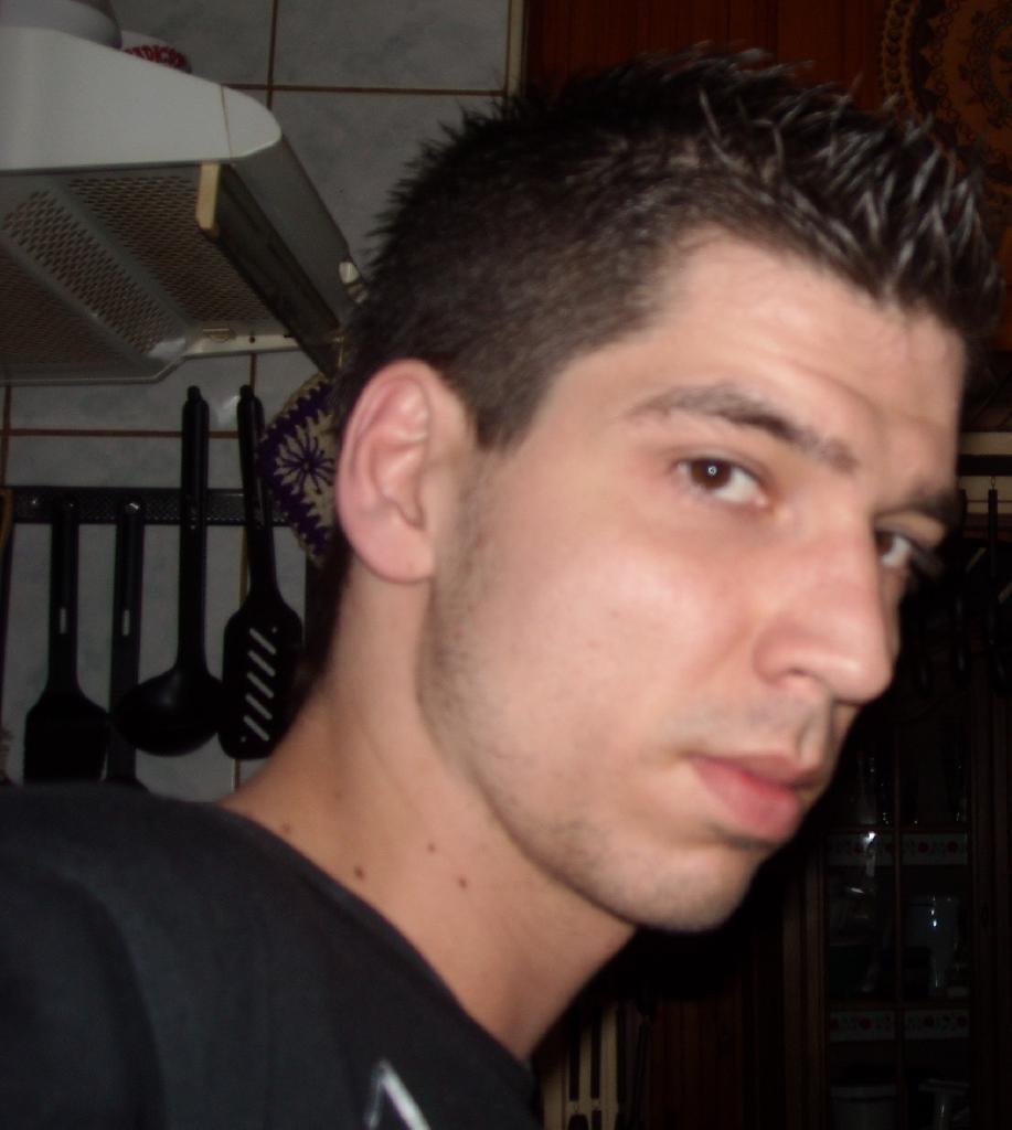 KrisztianToth, 34