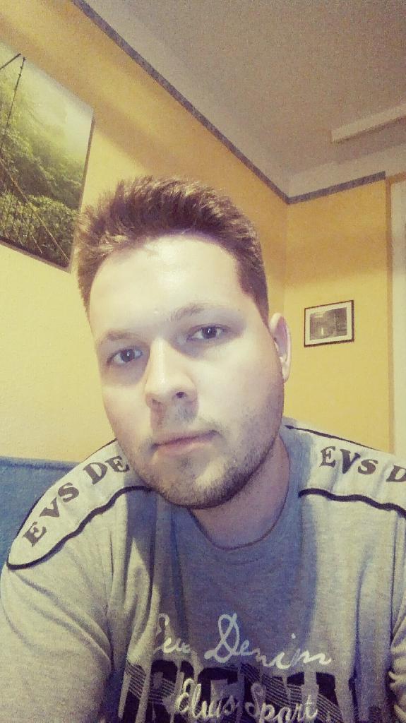 TamásF, 30