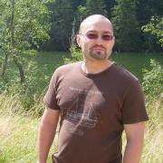Béla_, 39