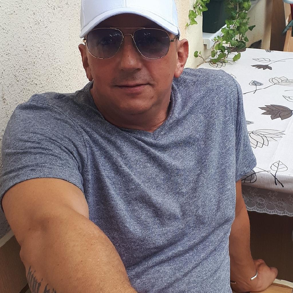 KeniZoli, 48