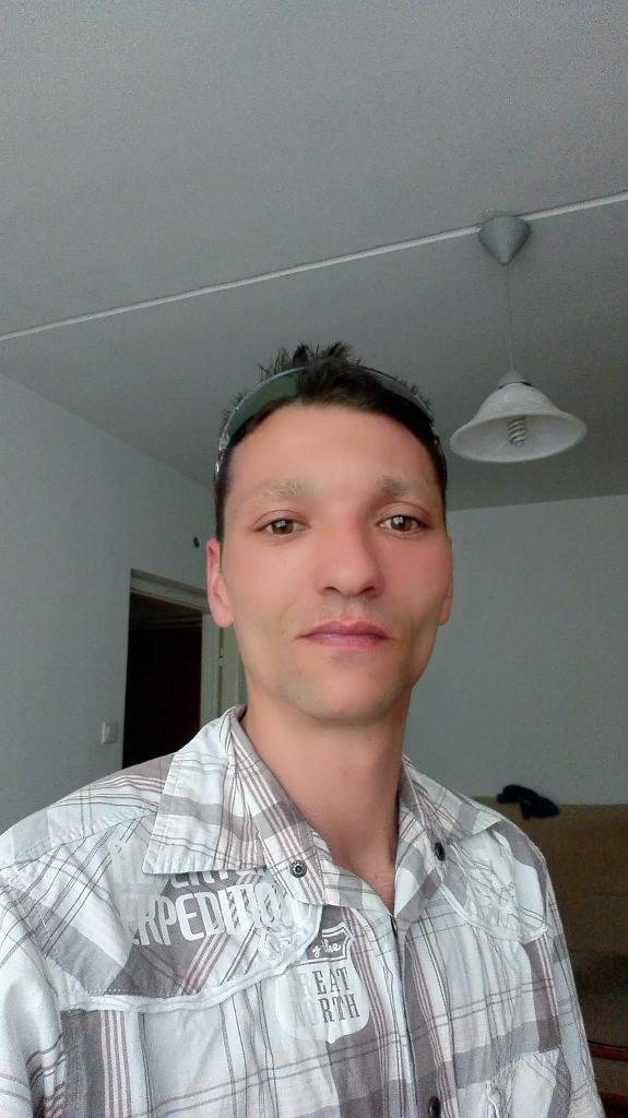 Kisfiam, 39