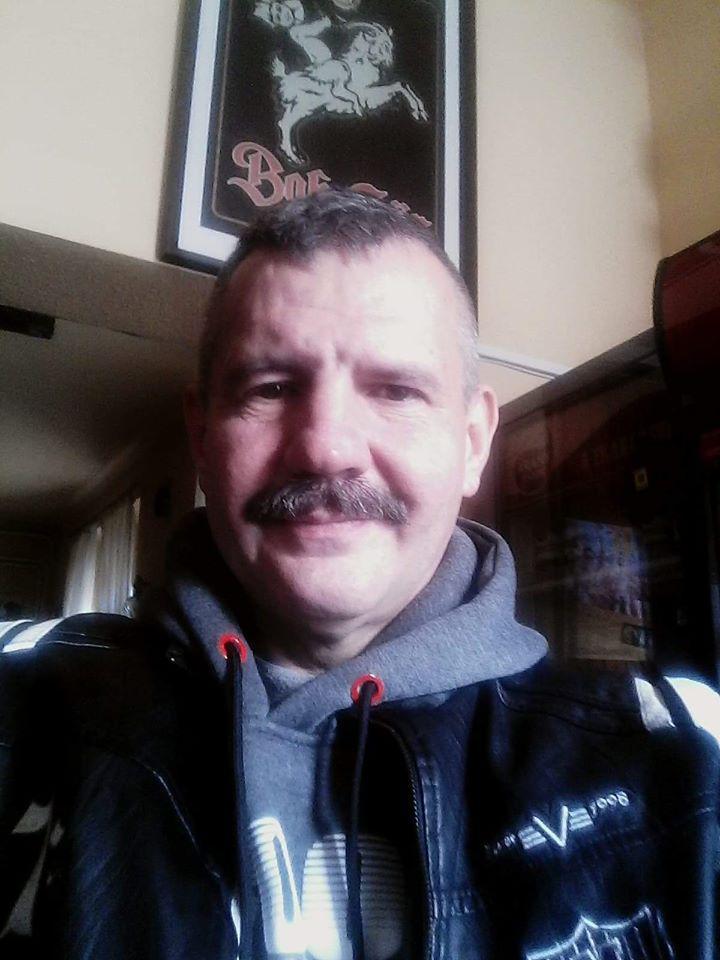 Véder, 52