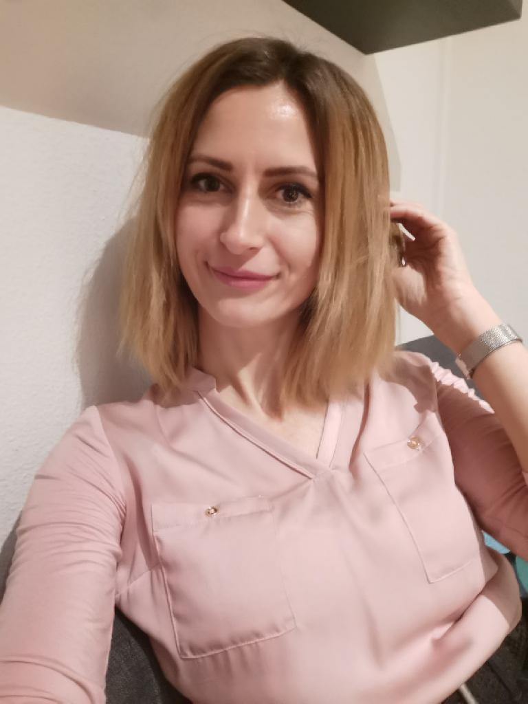monesca, 38