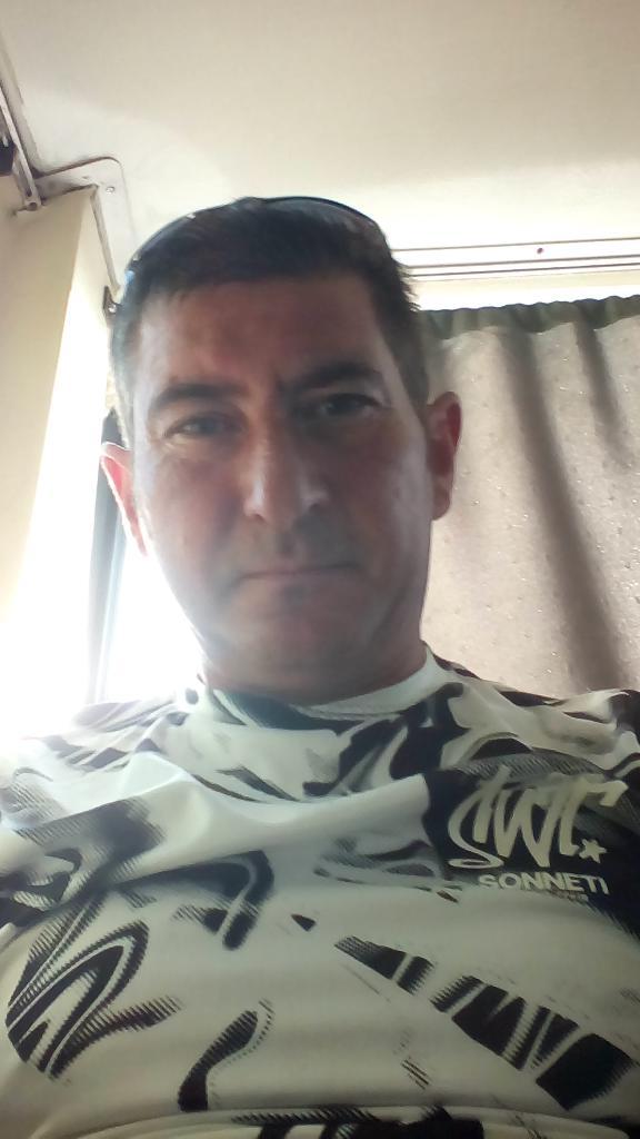 Mr.Tamás, 45