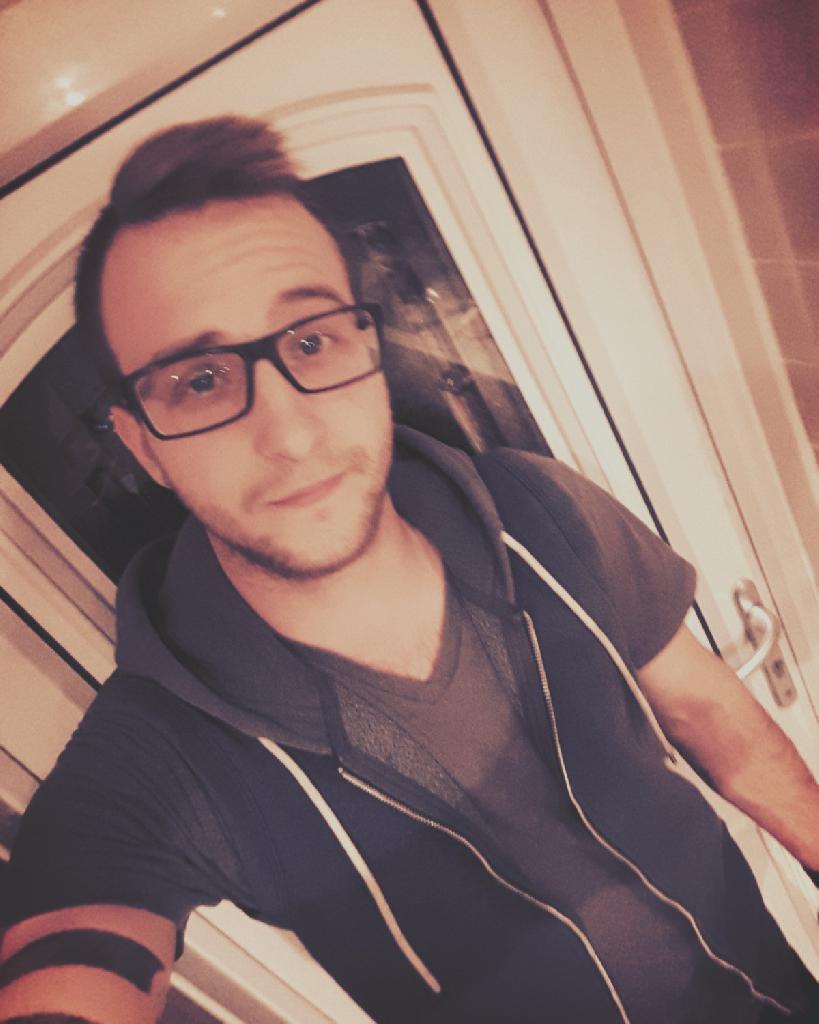 DaniKiss, 25