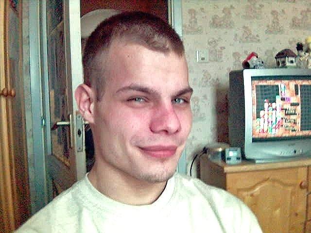 kareszb, 34