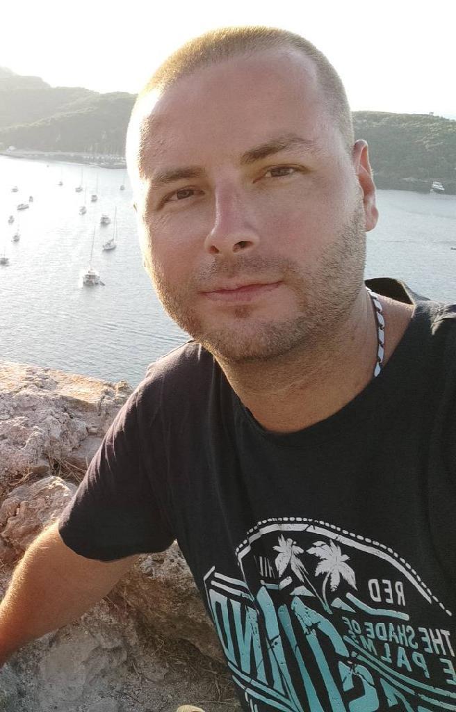 Deki, 35