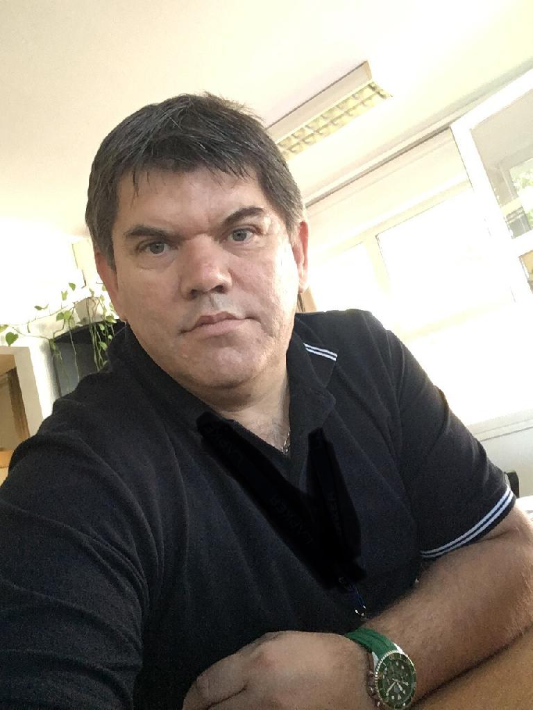 BéZsolti, 44