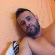Robertofiu, 33