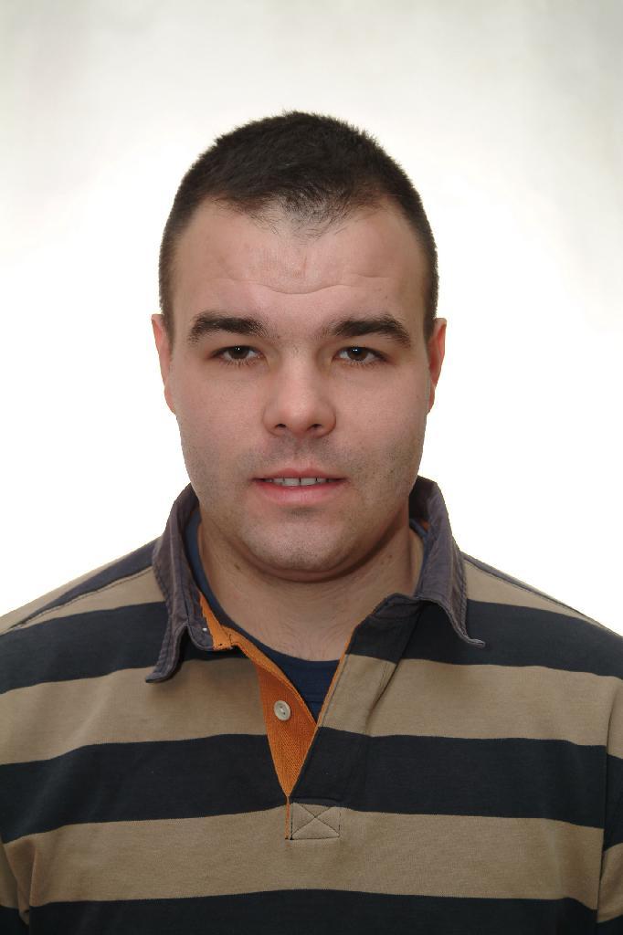 Jnos, 34