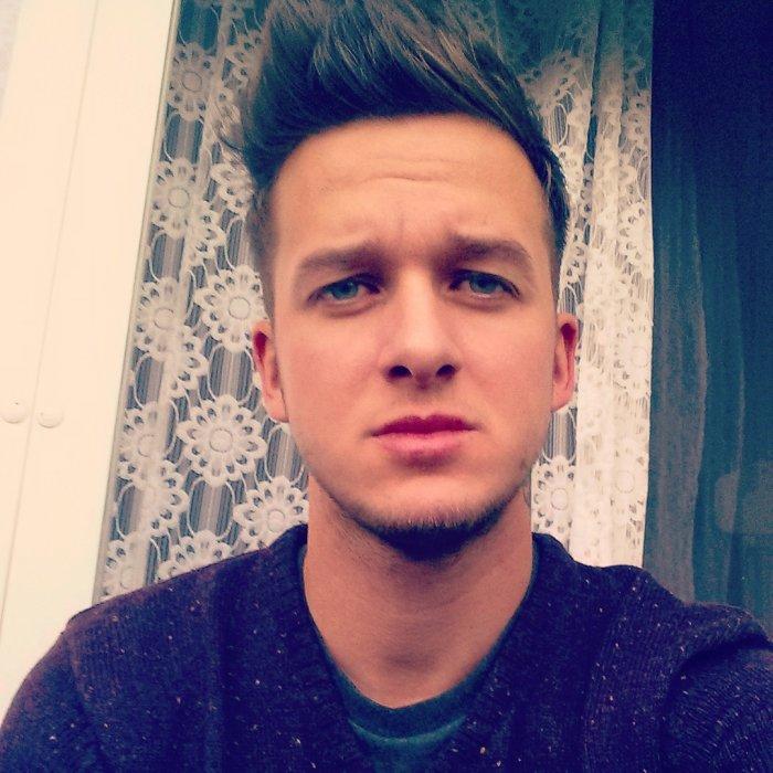 Yandel, 31