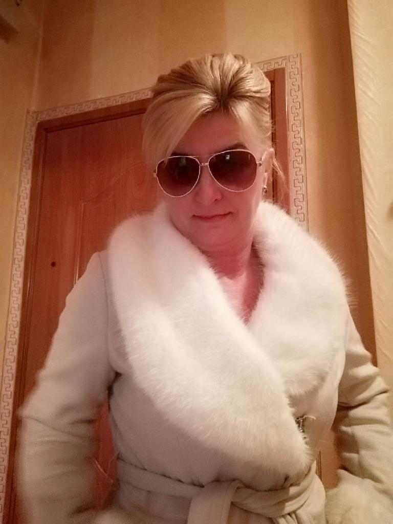 Mandy, 46