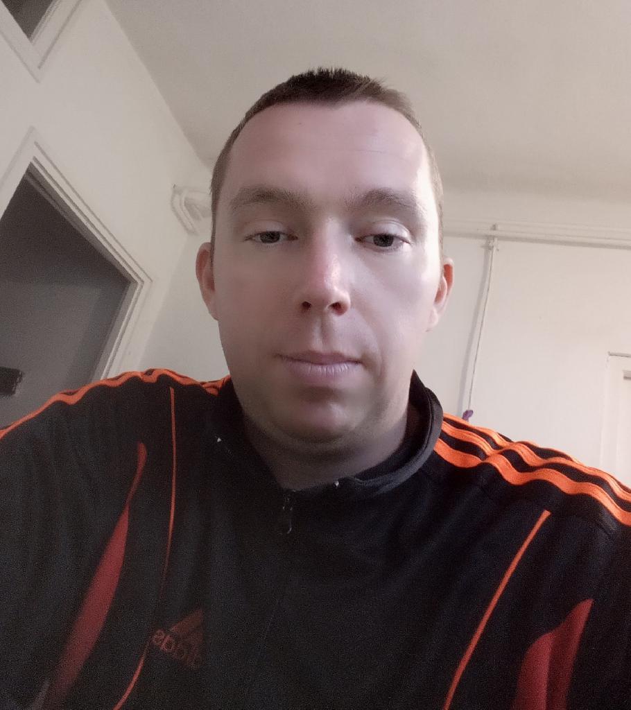 Lalalaci, 33