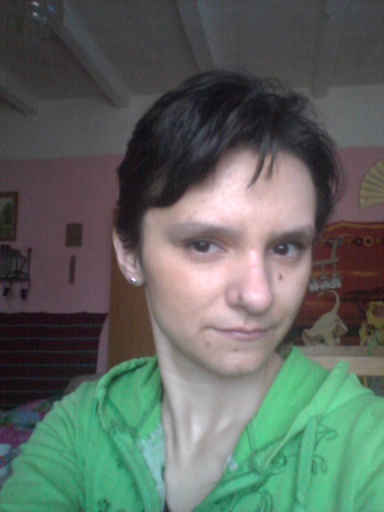 Amy29, 34