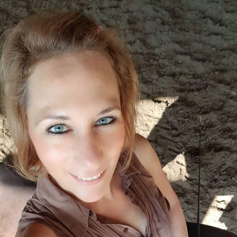 VargaÁgnes, 38