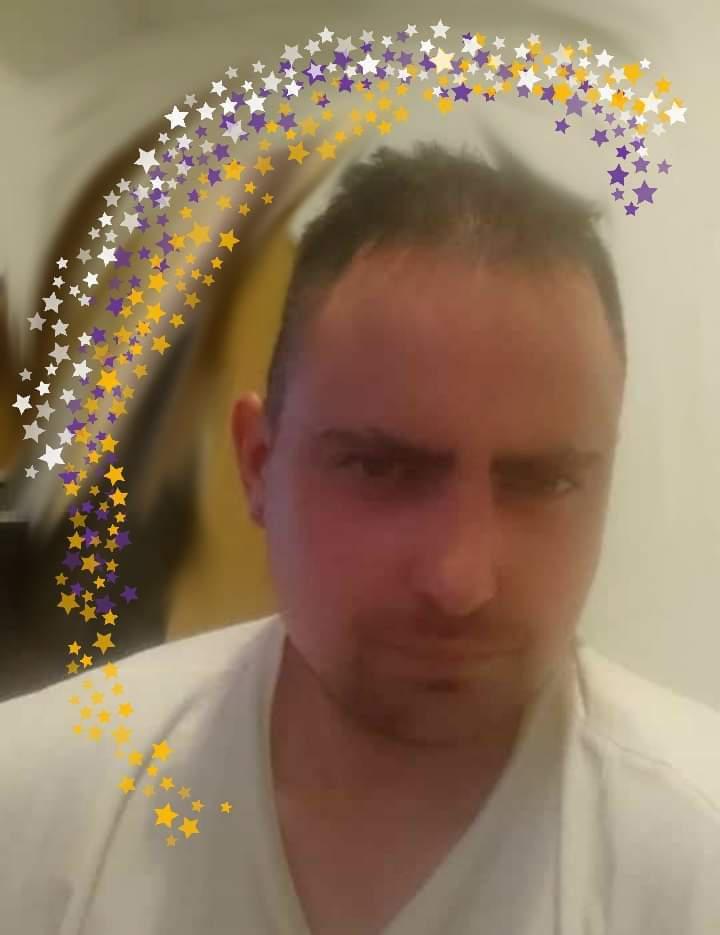 ZoliTak, 31