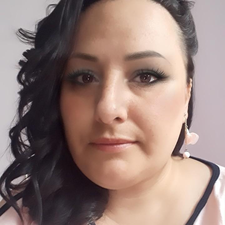 Angela21, 35