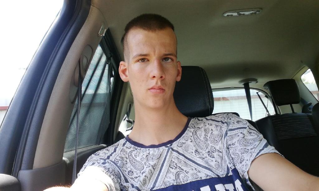 Kristóf1998, 23