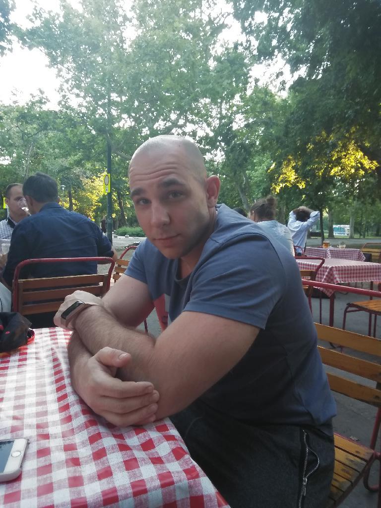 GaborNa, 29