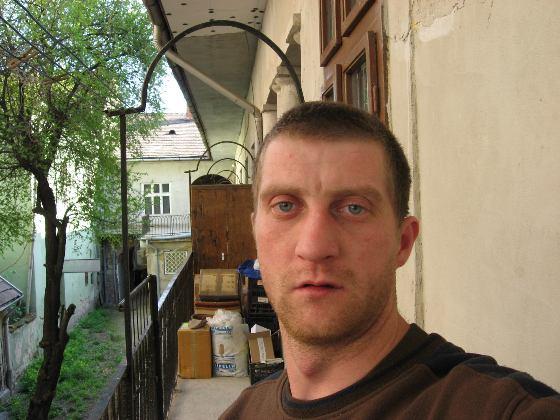32 éves Attila, 44
